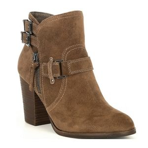 💖Gianni Bini Marbess Buckle Suede Booties